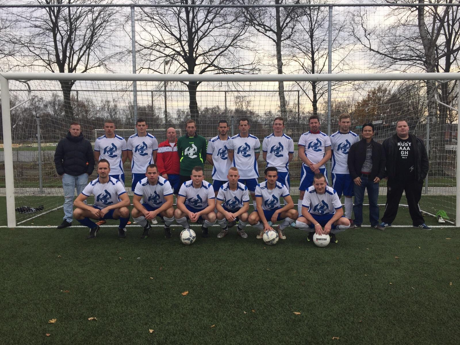 """Seizoen 2015/2016: V.V. """"Steenbergen"""" zaterdag3 (kampioen reserve 5e klasse)"""